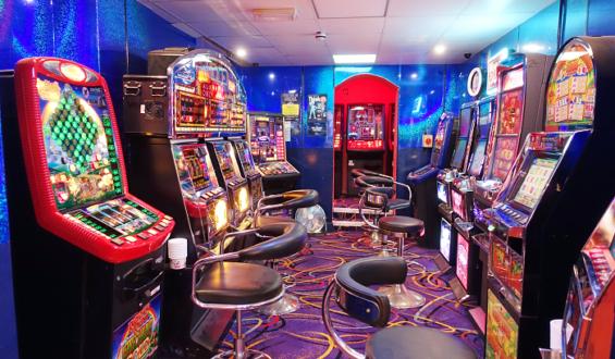 The Benefits of Antique Slot Machines
