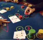 Why can blackjack be a 'streaky' game?